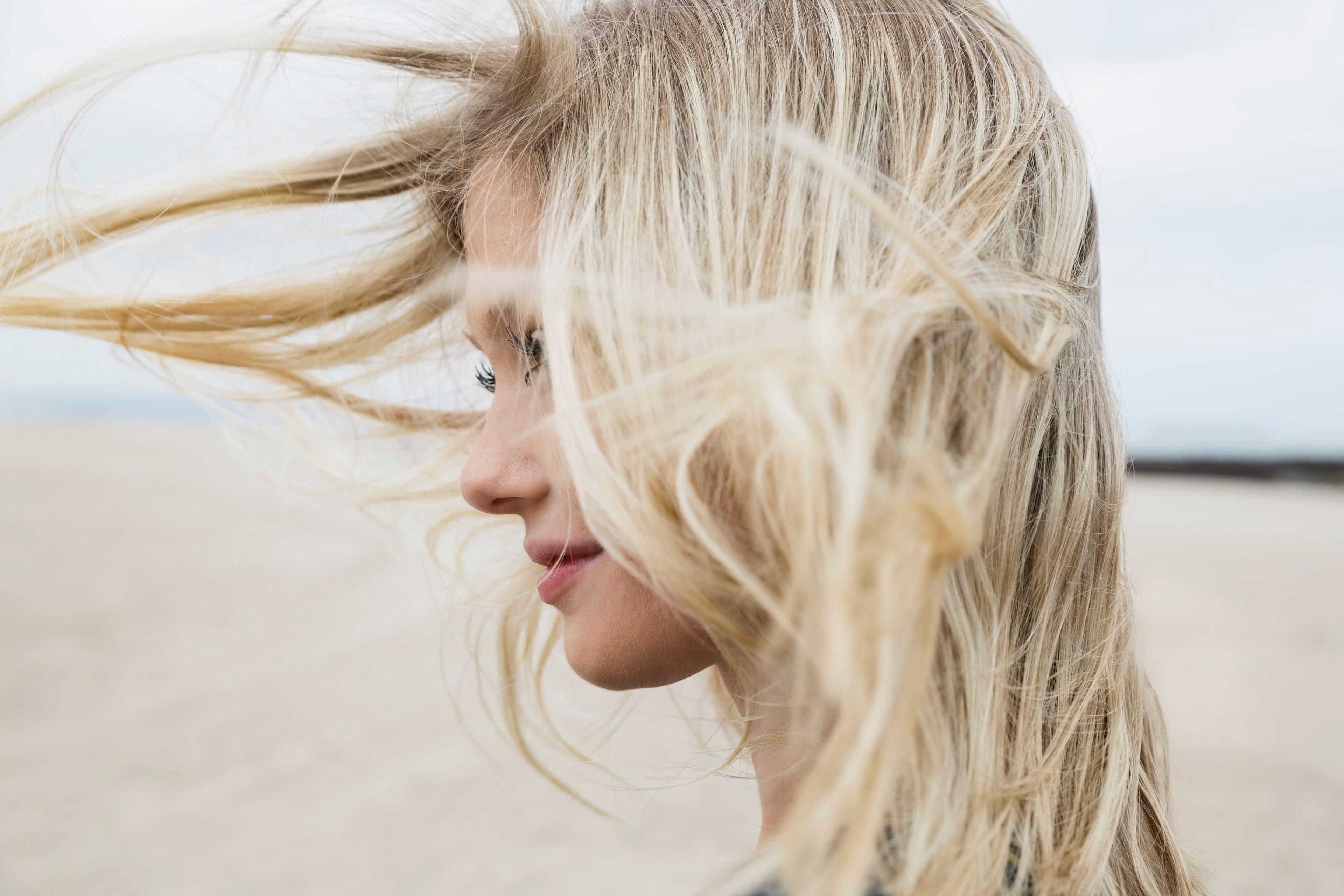 Viento soplando en el cabello