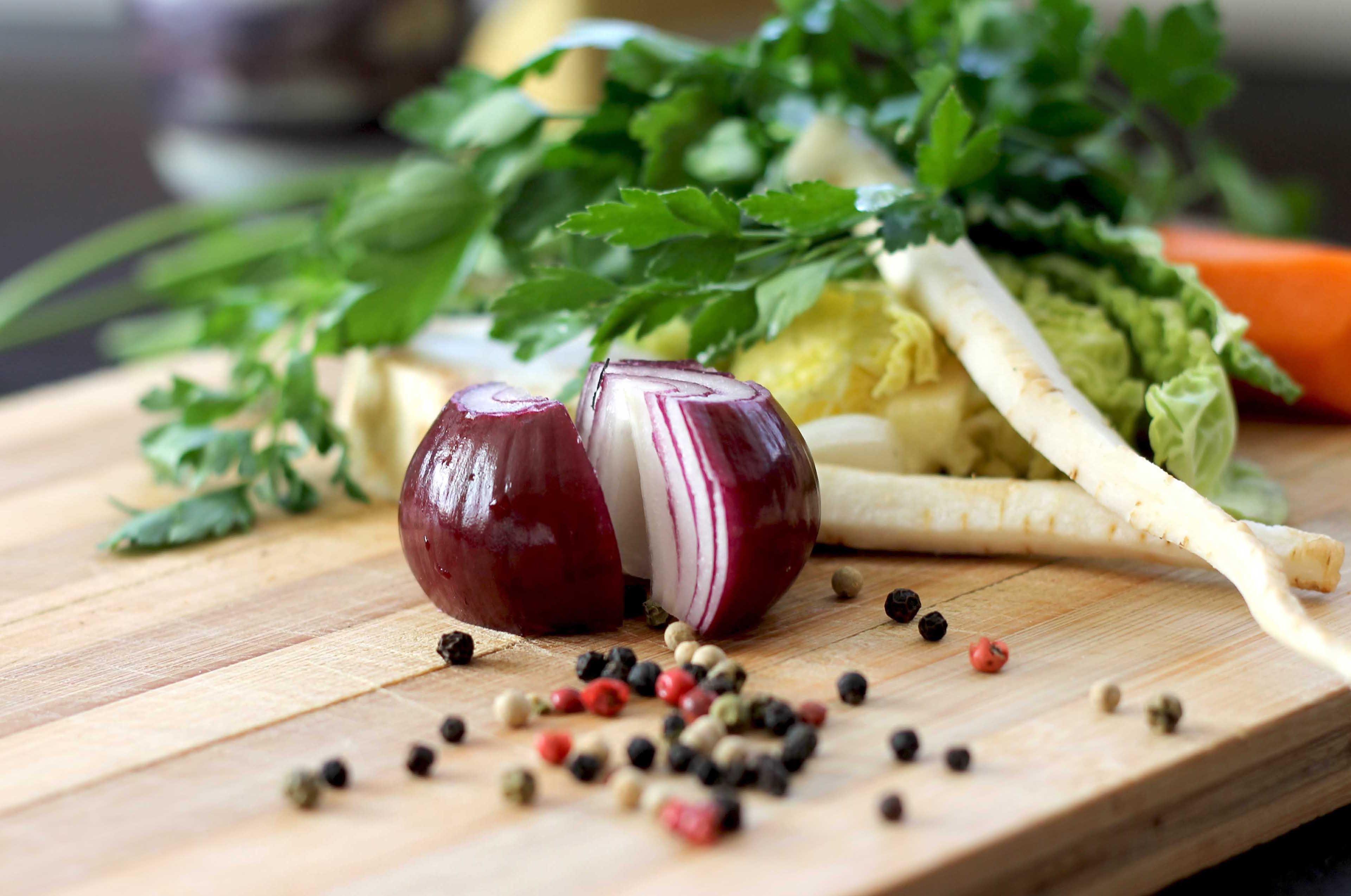 Zwiebeln und Gemüse
