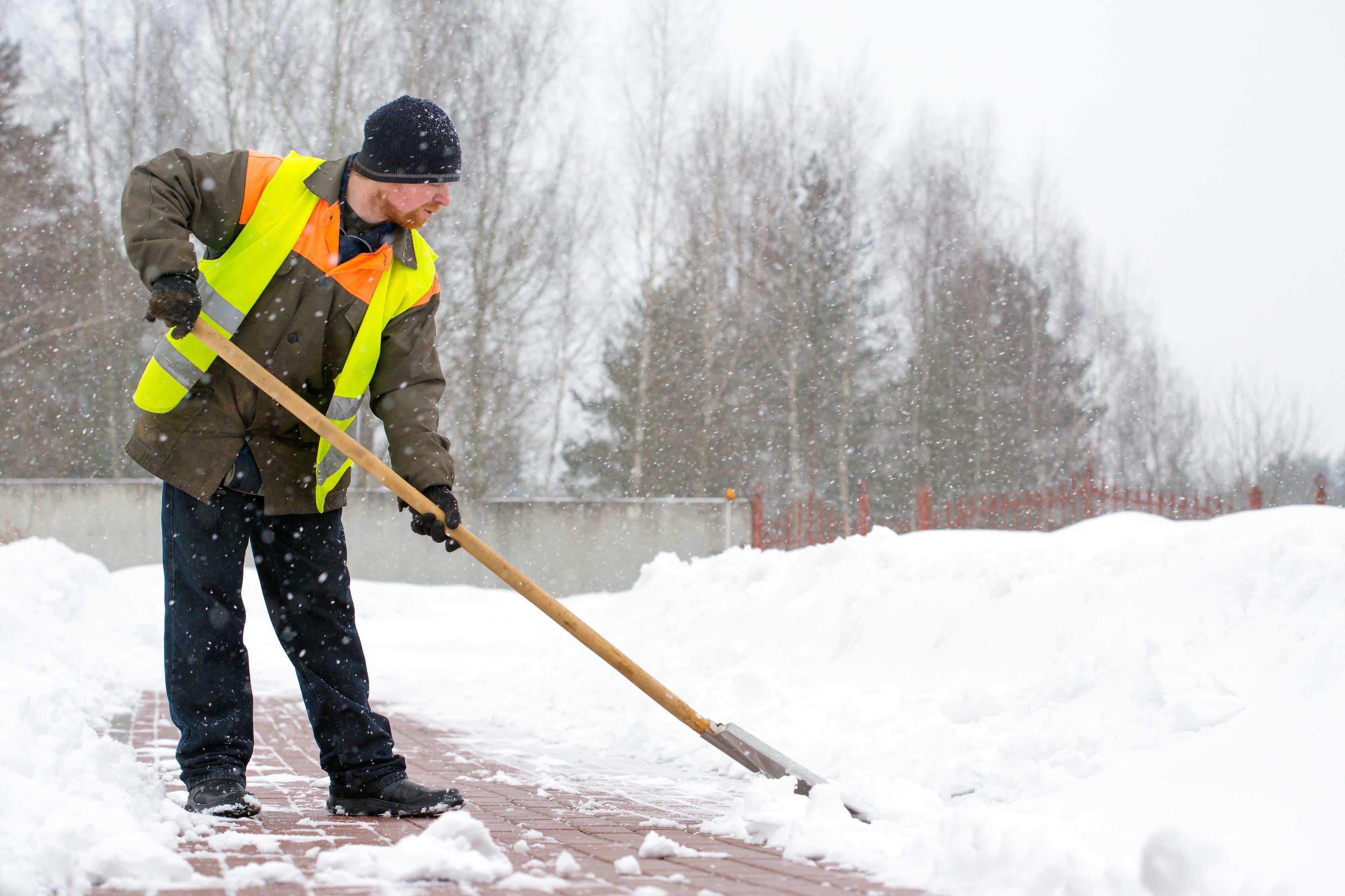 Paleando la nieve